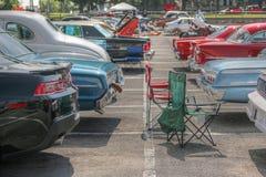 Parkerade klassiska bilar Arkivfoton