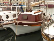 parkerande yacht Arkivfoto