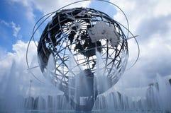 Parkerar den New York världen 1964 s ganska Unisphere i Flushing Meadows, Queens, NY royaltyfria foton