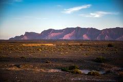 Parkerar nationellt geologiskt för det Tianshan Grandet Canyon royaltyfria bilder