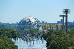Parkerar New York världs` 1964 s ganska Unisphere i Flushing Meadows Royaltyfri Fotografi