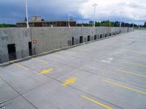 parkering för 2 garage Arkivfoto