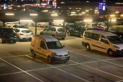 Parkeringsgarage, dold parkering, parkeringshus Arkivbild