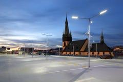 Parkeringshus på skymningen Arkivfoton