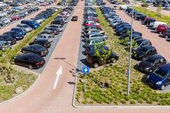 ParkeringshusIsala sjukhus i Zwolle, Nederländerna Royaltyfri Fotografi