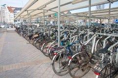 Parkeringsplats för cykel arkivbild
