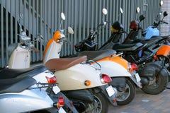 parkeringssparkcyklar royaltyfria foton
