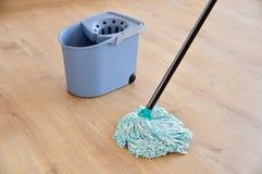 Parket het schoonmaken stock afbeelding