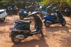 Parkfahrräder Stockfotos