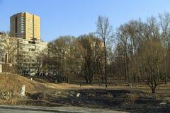 Parkgebied langs de rivier Pekhorka Balashikha, Rusland Royalty-vrije Stock Fotografie