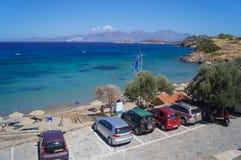 Parking blisko plaży w Agios Nikolaos Zdjęcia Royalty Free