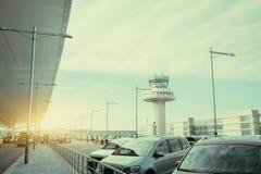 Parking de terminal d'aéroport moderne Image libre de droits