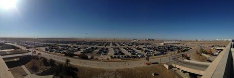 Parking de voiture à l'aéroport à Denver Images libres de droits