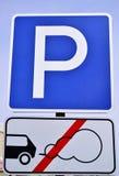 parking fotografia przygotowywający znak używać Parking z parowozowym bieg zabrania Obraz Royalty Free