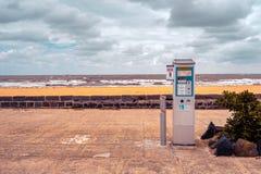 Parking metr blisko plaży zdjęcia stock