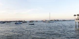 Parking łodzie przy morzem Fotografia Royalty Free