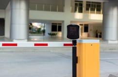Parking samochodowego automatyczny has?owy system System bezpiecze?stwa dla budowa? dost?p - bariery bramy przerwa z op?aty drogo zdjęcia royalty free