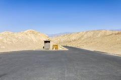 Parking vide chez Death Valley image stock