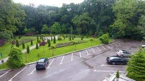 Parking w parku po deszczu zdjęcia royalty free