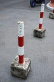 Parking zablokowania przyrząd w czerwonym i białym Zdjęcie Royalty Free