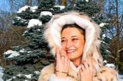 parkowa dziewczyny zima Zdjęcia Royalty Free