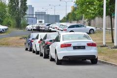 Parkować nowych samochody Obrazy Royalty Free
