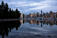 parkowa półmrok linia horyzontu Stanley brać Vancouver zdjęcie royalty free