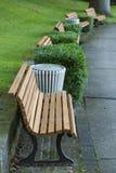 Parkowe ławki w łęku Zdjęcia Stock