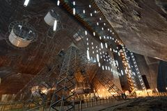 Parkowego koła Turda inside Solankowa kopalnia Zdjęcie Stock