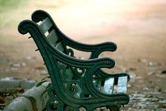 Parkowej ławki zbliżenia strzał fotografia royalty free