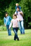 parkowi rodzin potomstwa zdjęcie royalty free