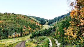 Parkowy miasto góry sezon jesienny Zdjęcie Stock