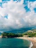 Parkowy Milocer, willa, plażowa królowa Blisko wyspy Sveti Stefan w Montenegro zdjęcia royalty free