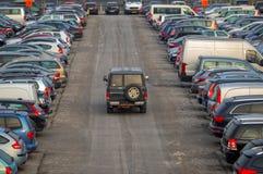 Parkplatz draußen lizenzfreie stockfotografie