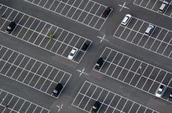 Parkplatz gesehen von oben stockfoto