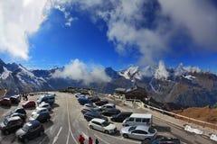 Am Parkplatz von Autos Lizenzfreies Stockfoto