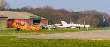 Parkujący wyczynów kaskaderskich samoloty przy seppe lotniskowy Breda, Bosschenhoofd, północny Brabant holandie, Marzec 30, 2 zdjęcie royalty free