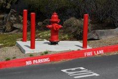 Parkverbot-Brandschneise-Ausgang stockbild