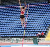 Parlak Demet de Turquía compite en salto con pértiga Fotografía de archivo