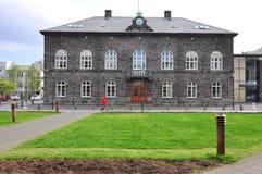 Parlament av Reykjavik royaltyfria bilder