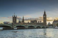 Parlament bei Sonnenuntergang Lizenzfreie Stockfotos