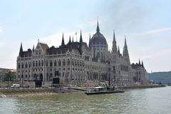 Parlament i budapest fotografering för bildbyråer