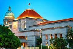 Parlament och gammal högsta domstolenbyggnad på fartygkajen Singapore Royaltyfria Bilder
