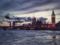 Parlament på natten royaltyfria foton