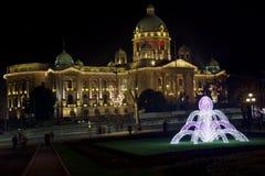 Parlament republiki Serbia nowego roku dekoraci hdr obraz stock