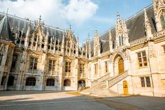 Parlamentbyggnad i Rouen, Frankrike royaltyfri foto