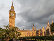 Parlamentbyggnad och stora Ben London England Arkivfoto