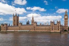 Parlaments-Gebäude und Big Ben London England Stockfotos