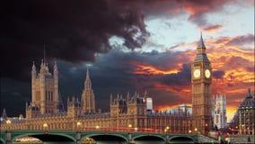 Parlamentsgebäude - Big Ben, London, Großbritannien, Zeitspanne Lizenzfreies Stockfoto