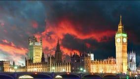 Parlamentsgebäude - Big Ben, London, Großbritannien, Zeitspanne stock video
